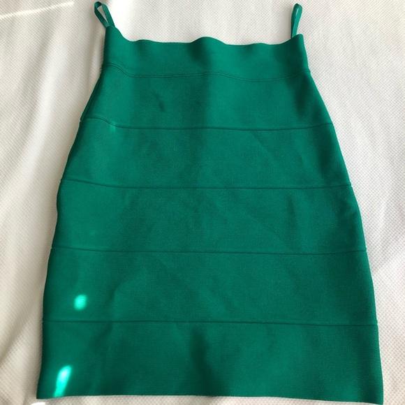 BCBGMaxAzria Dresses & Skirts - bcbgmaxazria green skirt